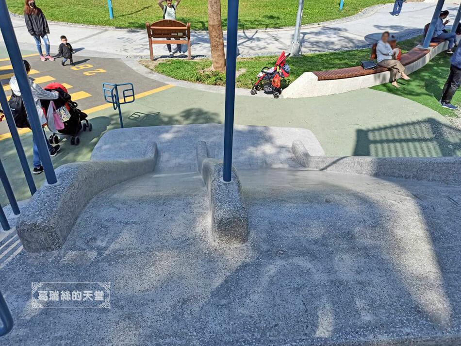 台北最新特色公園-青年公園-飛行探索遊戲場 (32).jpg