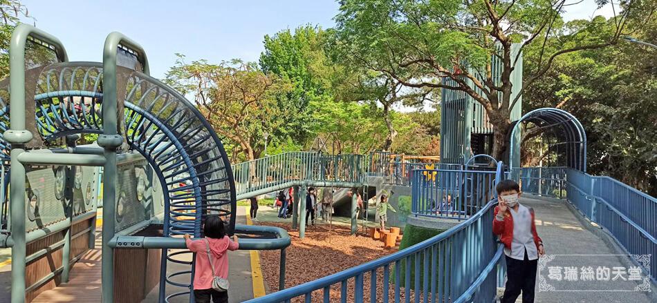 台北最新特色公園-青年公園-飛行探索遊戲場 (34).jpg