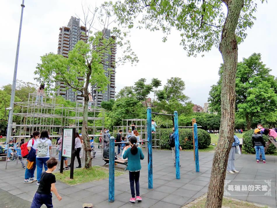 台北特色公園-大安森林公園-森林之王遊戲區 (2).JPG