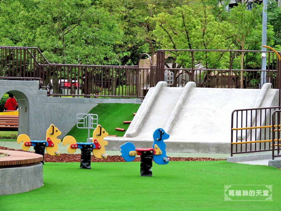 台北特色公園-大安森林公園-森林之王遊戲區 (11).JPG