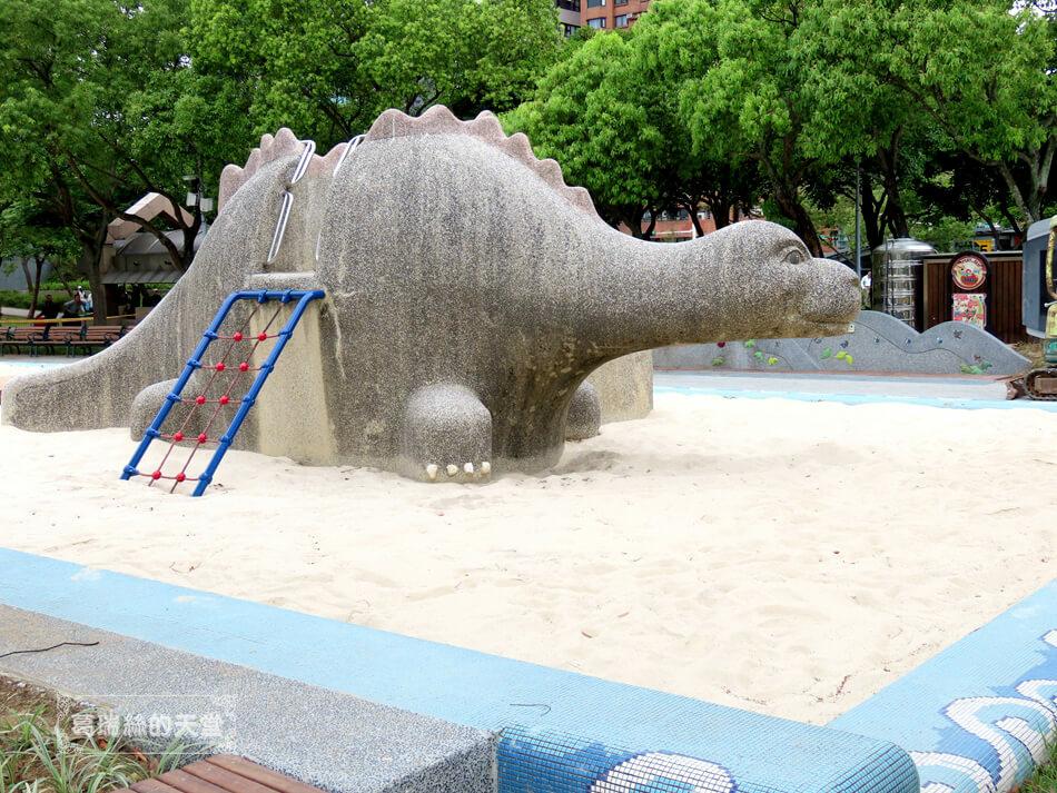台北特色公園-大安森林公園-森林之王遊戲區 (7).JPG