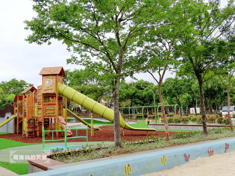 台北特色公園-大安森林公園-森林之王遊戲區 (13).JPG