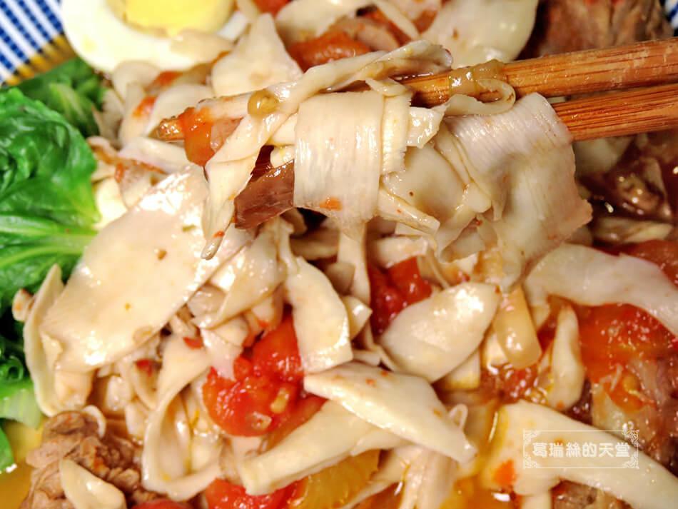 偽麵條-番茄牛肉麵 (9).JPG
