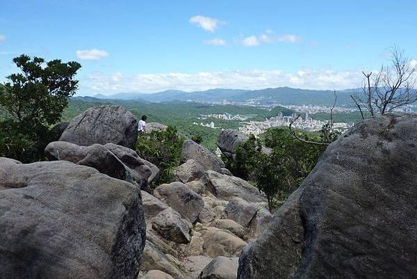 剪刀石山(金面山)