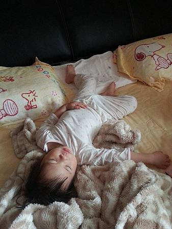 BabyCity背心式防踢睡袍3