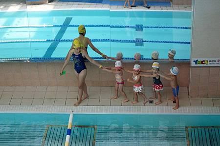 1040614YMCA游泳12
