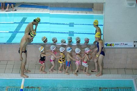 1040614YMCA游泳25