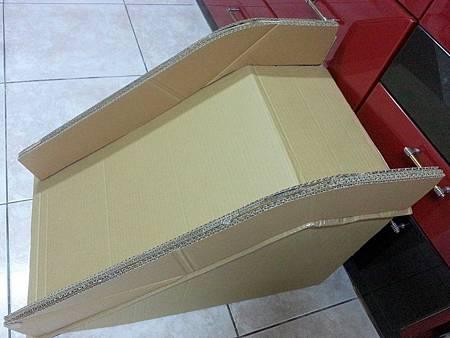 紙箱溜滑梯7