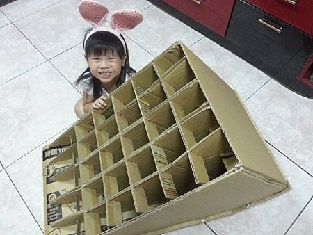 紙箱溜滑梯8