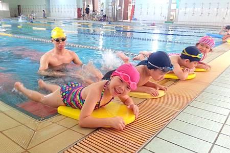 10607游泳1