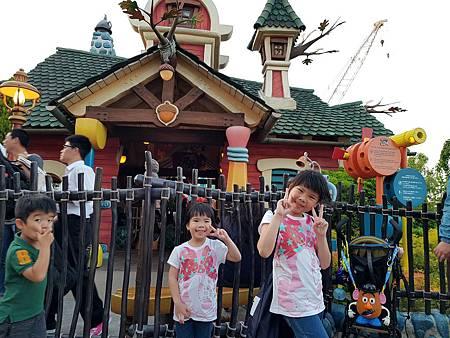 1070514迪士尼遊樂設施62