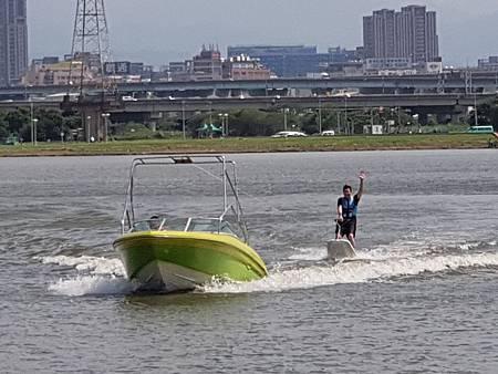 1080713滑水體驗13