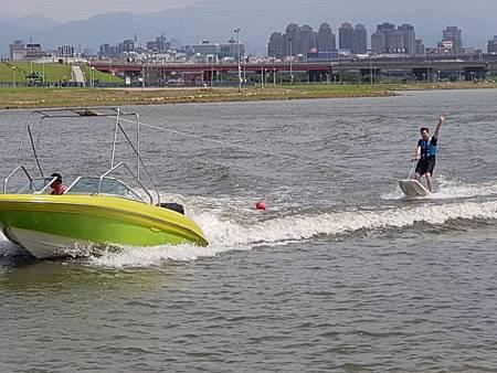 1080713滑水體驗14