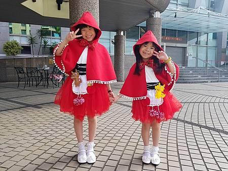 1081006小紅帽2.jpg