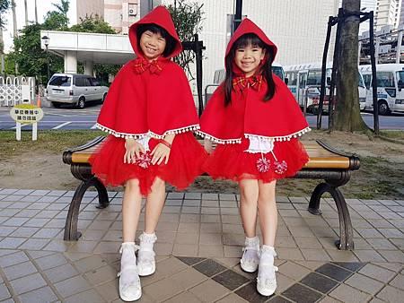 1081006小紅帽1.jpg