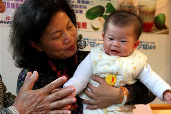 Baby & GranMa 3.jpg