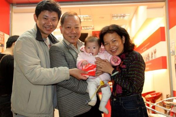 Baby & GranMa Rich 1.jpg