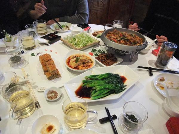 14-點菜的話就是這樣一大桌.jpg