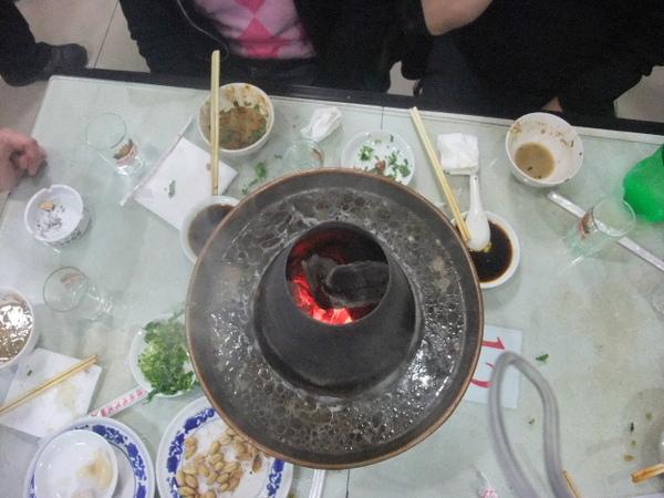 17-吃完後的火鍋湯還是那麼乾淨.jpg