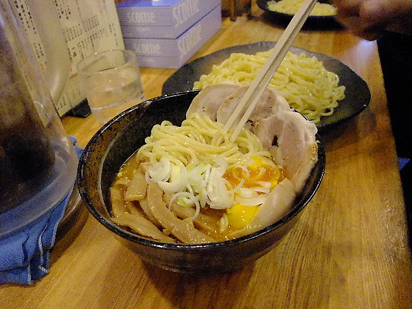 03-09-沾麵 大中小一律720 (只要你吃的完).JPG