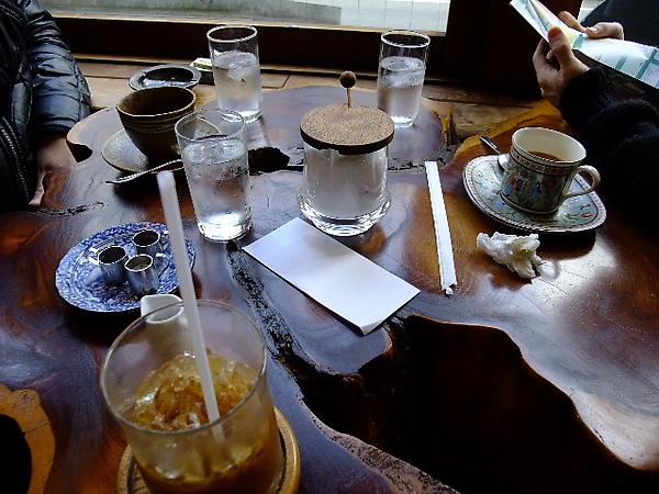03-10-新宿某家2樓咖啡店 (大地雷).JPG