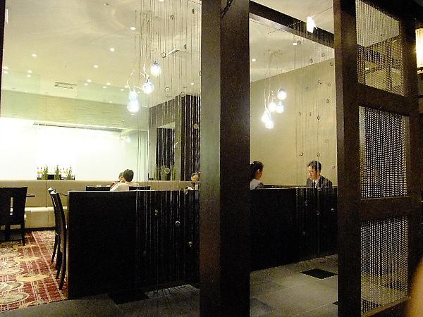 04-01-拿沒吃的早餐卷改去吃午餐 只要付差額就可以了.JPG
