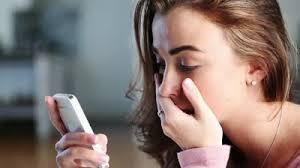 「woman phone sad」的圖片搜尋結果