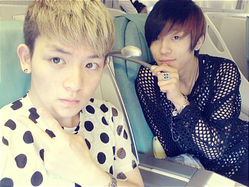 teen-top-s-ricky-and-changjo-show-off-their-new-convertibles_1