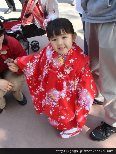 超級可愛的日本小女生..........