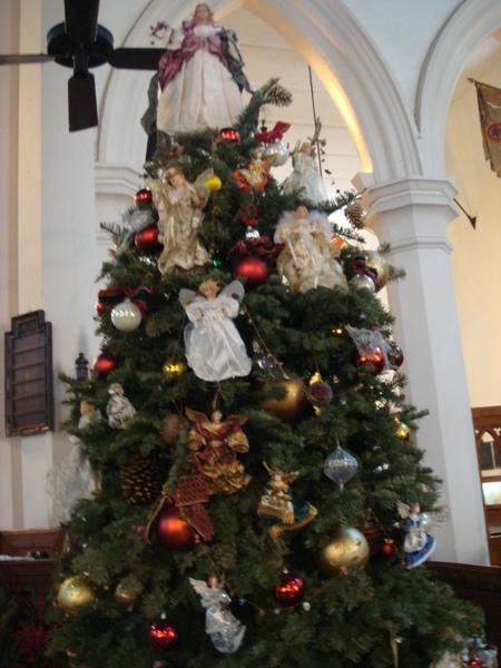 充滿聖母的耶誕樹.JPG