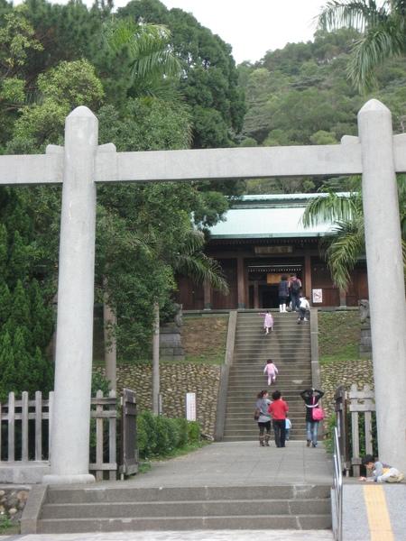 忠烈祠...很像日本神社