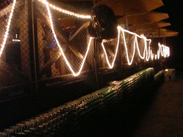 小灣的bar