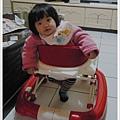 最新學步車坐法.JPG