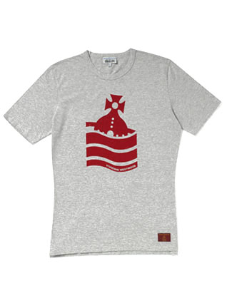 Vivineen Westwood 的t恤