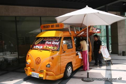 福斯T1小巴-「MICKEY Hot Dog」美式熱狗堡