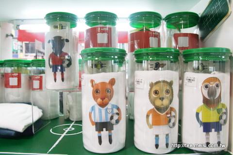 世界各國足球隊吉祥物T恤-在小猴子格子舖上架囉!