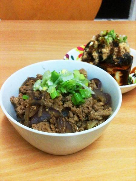薑汁燒肉+皮蛋豆腐