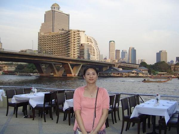 昭葩耶公主號自助餐