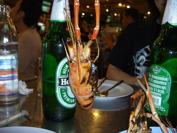 泰國夜市當地的蝦子