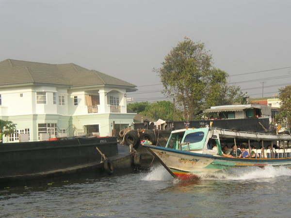 長尾船~都是觀光客