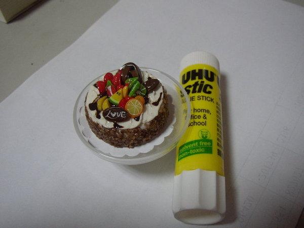 泰國百貨公司買回的戰利品-模型蛋糕,比口紅膠還迷你