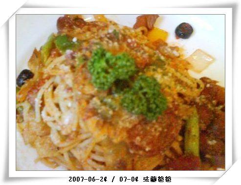 臘腸義大利麵.JPG