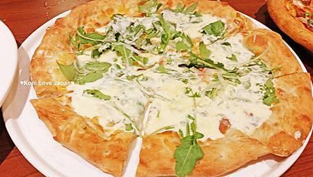 焗乳酪芝麻葉比薩
