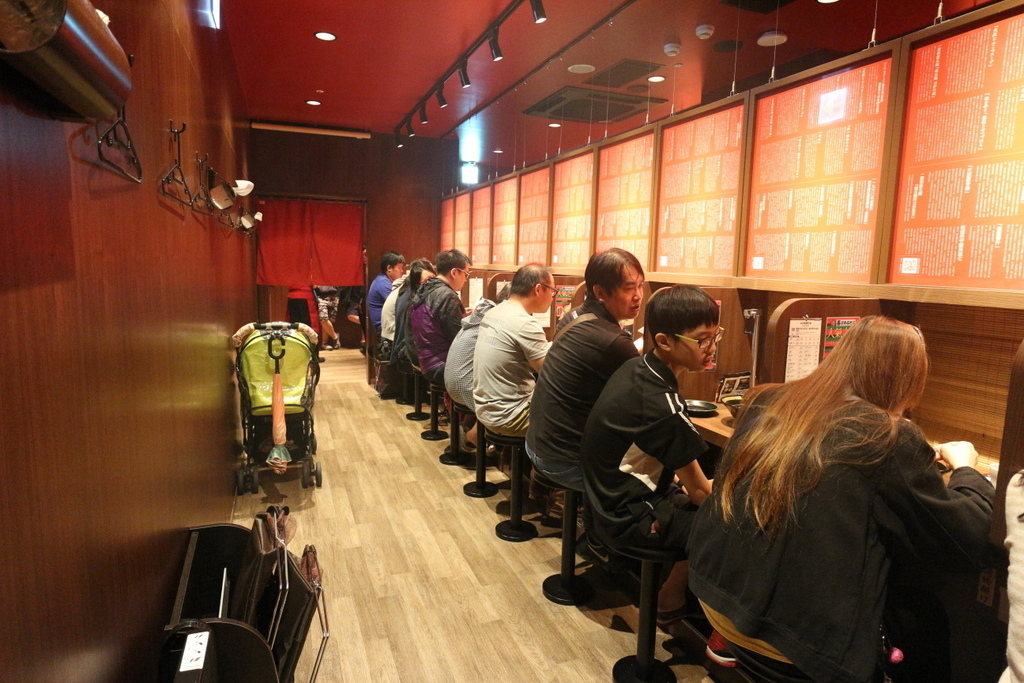 一蘭拉麵 店內座位