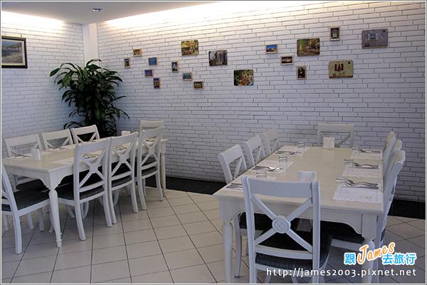 員林法式烤雞主題餐廳-蜜糖土司04.JPG