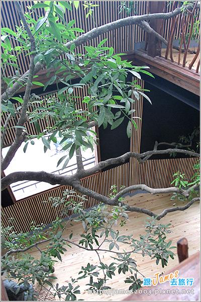 [埔里景點] 牛耳石雕公園-樹屋餐廳14.JPG