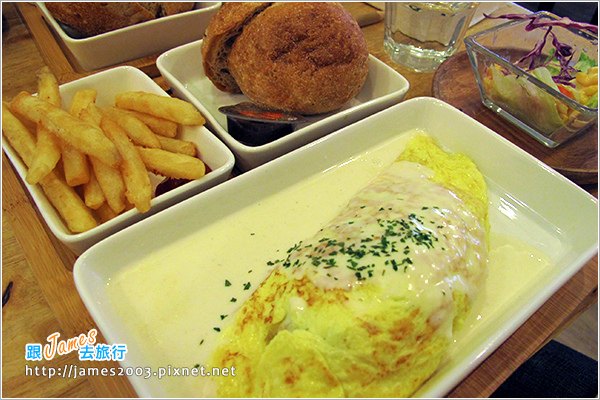[台中美食] 綠光咖啡屋早午餐15.JPG
