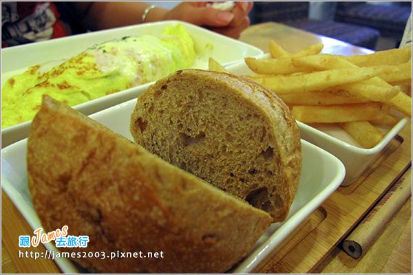 [台中美食] 綠光咖啡屋早午餐16.JPG