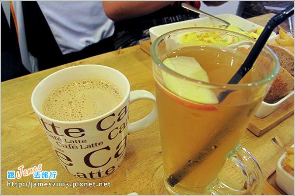 [台中美食] 綠光咖啡屋早午餐18.JPG