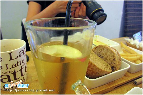 [台中美食] 綠光咖啡屋早午餐20.JPG